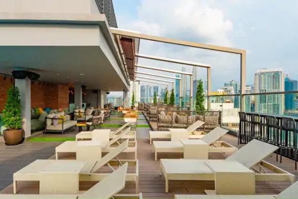 Rooftop 25 Bar And Lounge Hilton Garden Inn Kuala Lumpur Bar